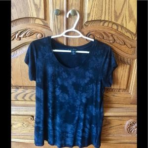 Women's Tahari T-shirt